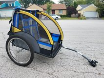 Bell bike trailer for two kids in Bartlett, Illinois