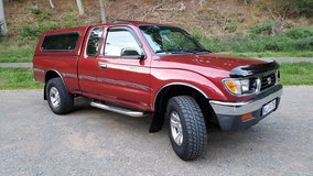 97 Tacoma SR5, 4WD, Loaded, 3.4 V6, One Owner in Ramstein, Germany