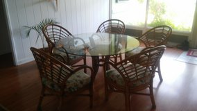 Dining room table and 5 chairs in Kaneohe Bay, Hawaii
