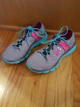 Underarmour sneakers youth 3.5 in Bolingbrook, Illinois