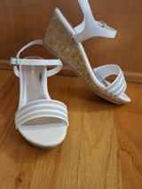 Nine West wedge sandals size 2m in Bolingbrook, Illinois