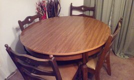 Antique Dining Table with 4 chairs in Beaufort, South Carolina