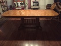 Dining Room Table & 6 Chairs in Alamogordo, New Mexico