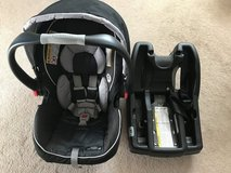 Graco SnugRide Click Connect 35 Infant Car Seat in Travis AFB, California