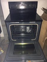 Whirlpool electric stove in Las Cruces, New Mexico