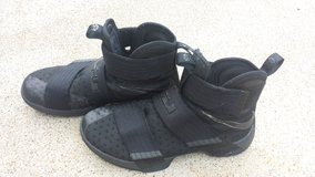 Lebron Solider 10 (all black) in Clarksville, Tennessee
