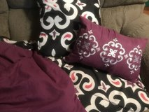 FULL SIZE COMFORTER SET in Roseville, California