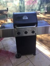BBQ grill includes propane tank in Yucca Valley, California