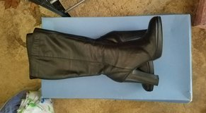 Vera Wang Boots - size 6.5 in Orland Park, Illinois