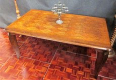 Antique Tiger Oak Diamond Pattern Dining Table in Ramstein, Germany