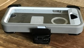 Otter box iPhone 5 case & belt clip in Byron, Georgia