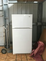 Kenmore full size frig top freezer works nice in Yucca Valley, California