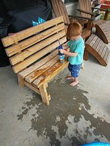 wooden bench in Pleasant View, Tennessee