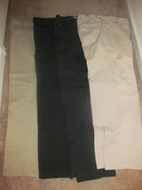Lot of 4 pairs men's pants 34x32 in Fort Benning, Georgia
