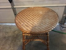 Nice  wicker tablec in Fort Campbell, Kentucky