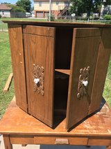 Cabinet with 1 shelf in Fort Knox, Kentucky