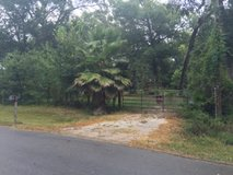 1 clear acre w utilities in Conroe, Texas