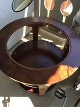 Round end table obo in Travis AFB, California