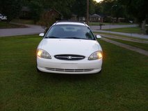 2001 Ford Taurus Station Wagon Very Low miles in Fort Campbell, Kentucky