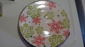 6 Xmas Plates in Fort Campbell, Kentucky