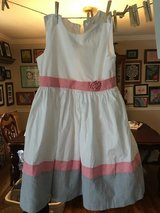 Dress size 8 in Fort Campbell, Kentucky