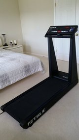 LIKE NEW TRUE FITNESS 450HRCO TREADMILL WITH ALL THE BELLS and WHISTLES in Schaumburg, Illinois