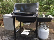 : ) WEBER PROPANE GAS GRILL INC. Full Tank !!! in Chicago, Illinois