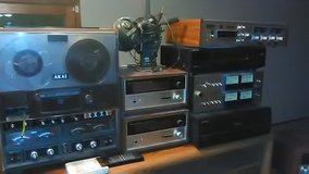 Vintage stereo equipment in Lake of the Ozarks, Missouri