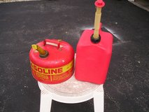 2 USED GAS CANS in Yorkville, Illinois