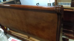King sleigh bed - Sturdy well built - cherry wood in Cleveland, Texas