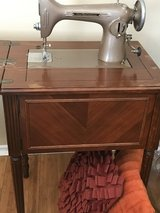 """Westinghouse """"Free"""" Sewing Machine in Baytown, Texas"""