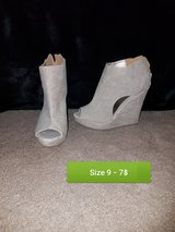 Heels and sandals in Alamogordo, New Mexico