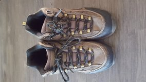 Boys Hiking Boots Size 2.5 in Bolingbrook, Illinois