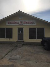 Very Large Office Buildng For Rent with Some Warehouse Space in Leesville, Louisiana