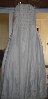 Strapless Wedding Gown in Lackland AFB, Texas