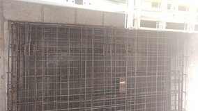Dog crates, 2 med. in Fort Campbell, Kentucky