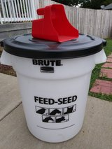 Rubbermaid Brute Feed-Seed 20 Gallon Container in Fort Campbell, Kentucky