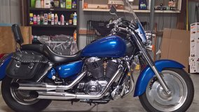 Honda Shadow VT 1100 in Huntsville, Alabama