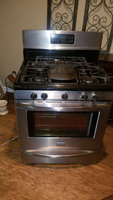 Frigidaire Gas Stove in Warner Robins, Georgia