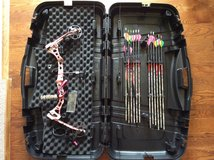 Women's bear compound bow in Fort Leonard Wood, Missouri