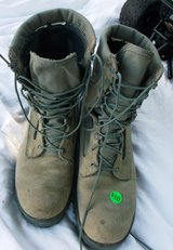 Mens sz 9  Military Camo Boots in Alamogordo, New Mexico