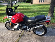 95 BMW 1100GS - Dry through Harvey in Lackland AFB, Texas