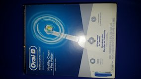 Brand New Oral B Precision 4000 Toothbrush in Fort Campbell, Kentucky
