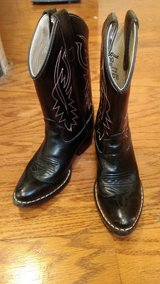 Boys Black Cowboy Boots Size 1 in Fort Campbell, Kentucky