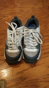Boys Size 2 White Heelys in Fort Campbell, Kentucky