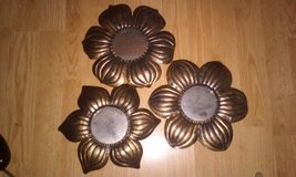 Set of 3 Decorative Metal Flowers w Mirrors in New Lenox, Illinois