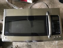 GE microwave in Glendale Heights, Illinois