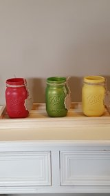 pint sized chalk painted mason jars in Fort Knox, Kentucky
