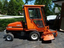 Kubota F2560E Diesel Front Deck Tractor Mower Snow Leaf Sweeper in Lockport, Illinois