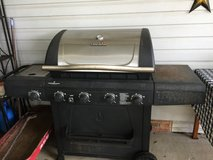 CHARBROIL 4 burner gas grill with side burner in Clarksville, Tennessee